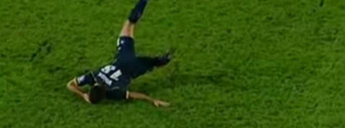 Is this the worst bit of simulation in football history?