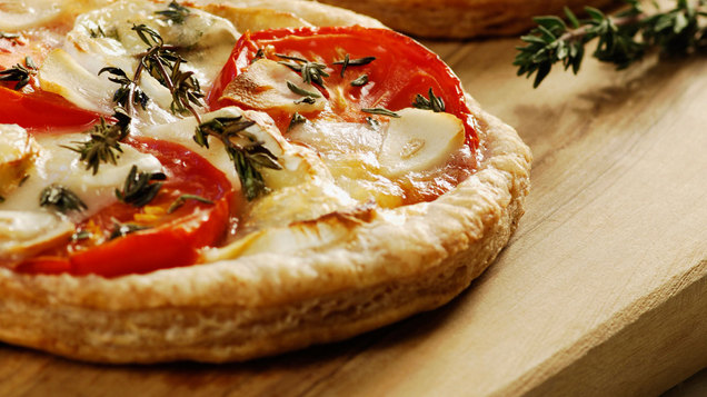 Goat cheese and tomato puff pizza