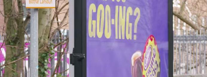 Cadbury's Campaign Flirts Up a Storm with Commuters!
