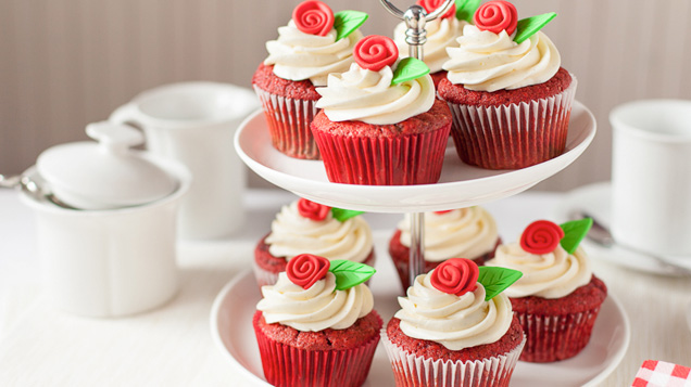 fancy red velvet cupcakes