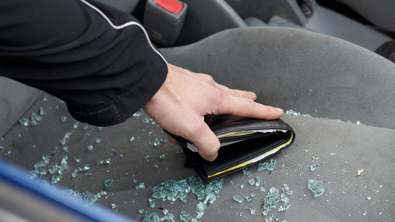 Gardaí warn of thieves targeting Christmas shoppers