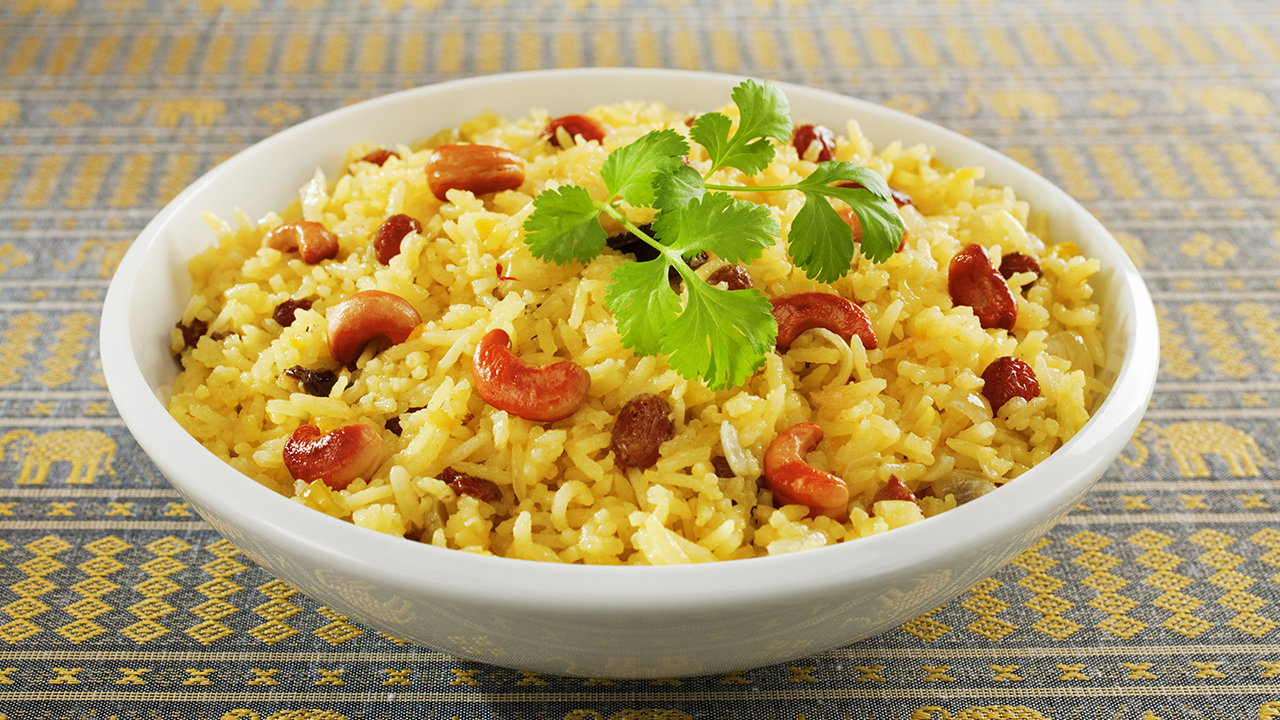 Coconut and sultana rice