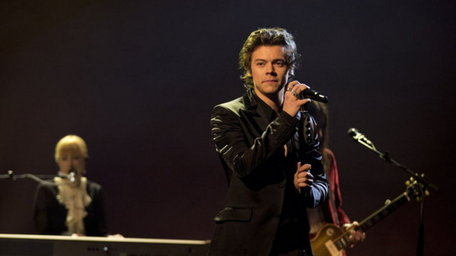 Harry Styles returns to X Factor stage to delight of fans