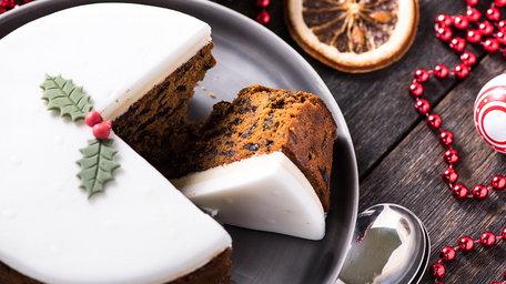 Christmas Almond Cake Icing