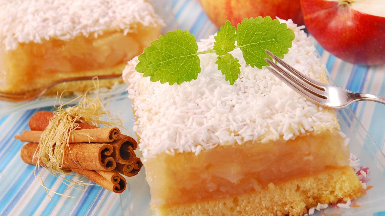 Granny's Apple Cake with Coconut Flour