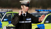 3player | Police Interceptors, 07/04/2014. Documentary profiling a high-speed police interception unit. The cops chase a thief in a souped-up Ford Mondeo who will stop at nothing to escape
